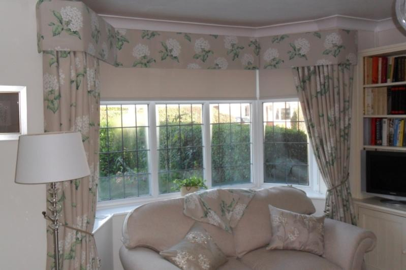 How To Make A Curtain Pelmet For Bay Window Curtain