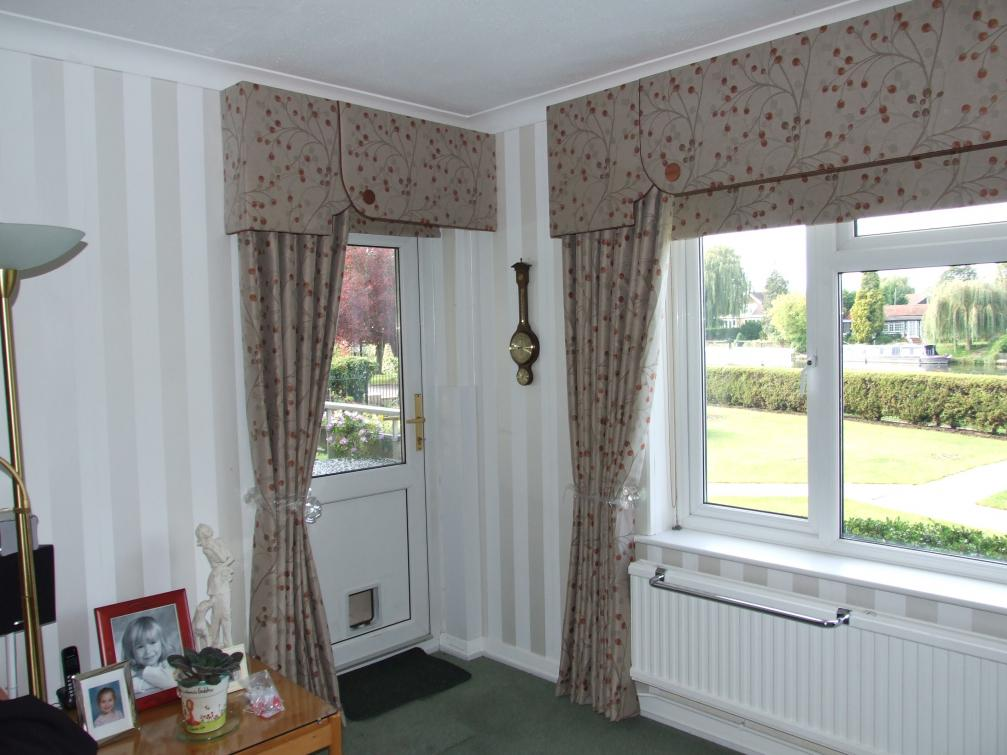 Matching Pelmet Curtains And Roller Blinds Mydecozo